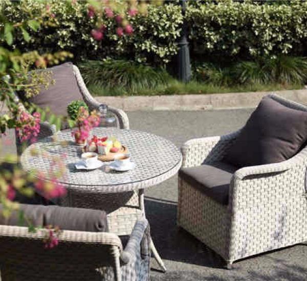 花园餐桌椅